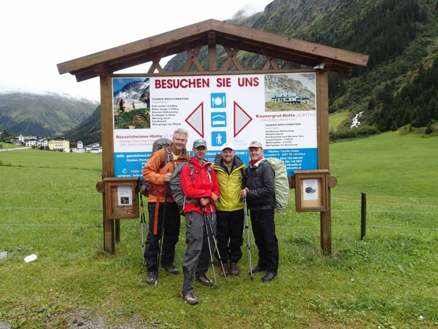 In Plangeroß, beginning our trek up to the Rüsselsheimer Hütte.