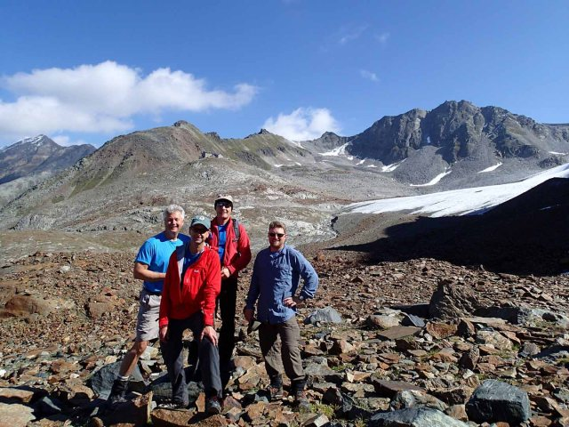 Our intrepid crew with Braunschweiger Hütte in background.