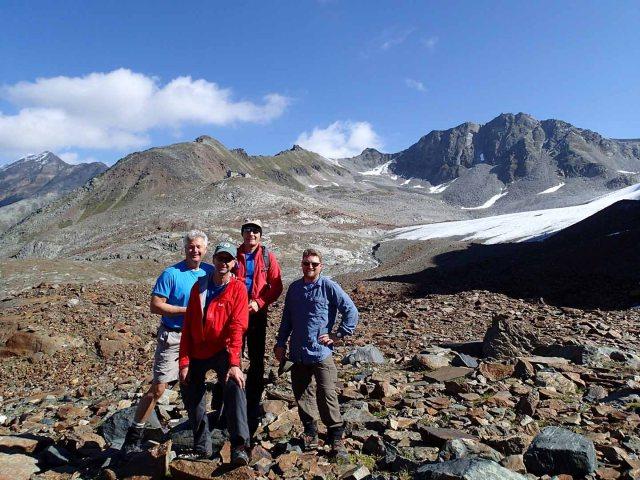 Our intrepid crew with Braunschweiger Hütte in background.