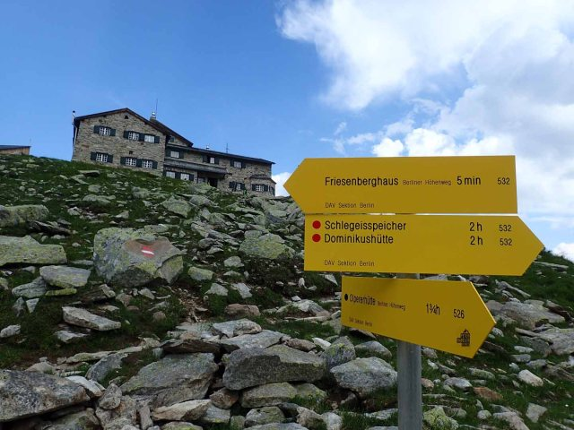 sign humor: 5 minutes to Friesenberghaus